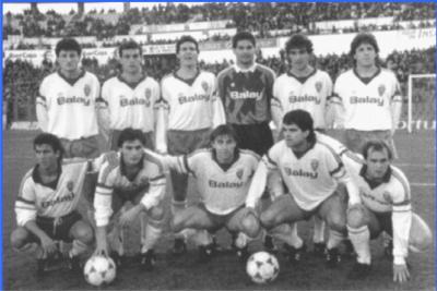 20110111160207-plantilla-real-zaragoza-1988-1989.jpg