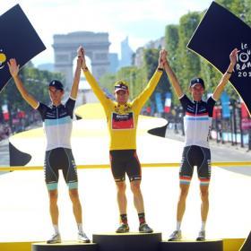 20110726214228-tour-2011-podium.jpg