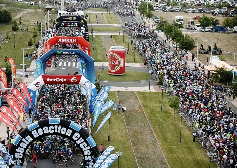 Más de 10.000 corredores tomaron la salida entre las dos pruebas. - Foto:QUEBRANTAHUESOS